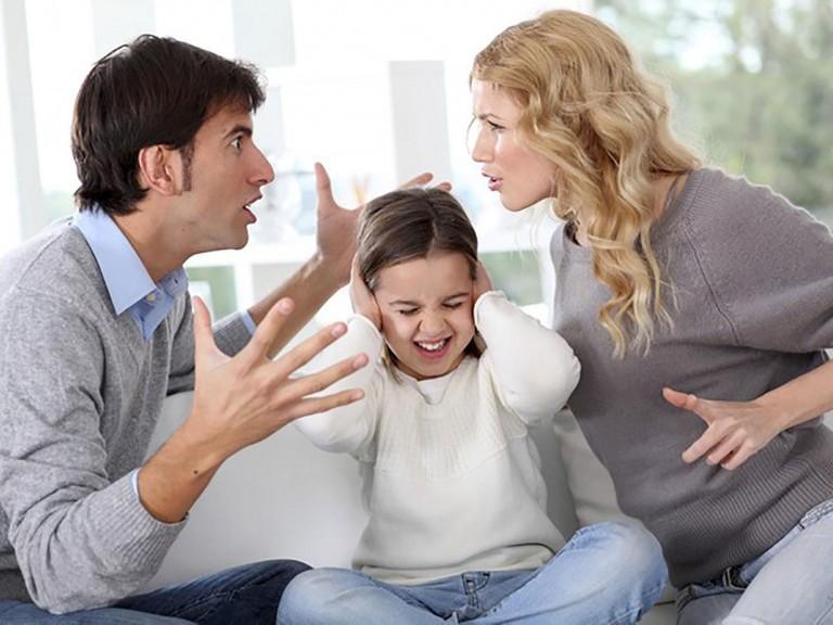 Briga de casal? Nunca na frente das criançasCESD - Centro Síndrome de Down